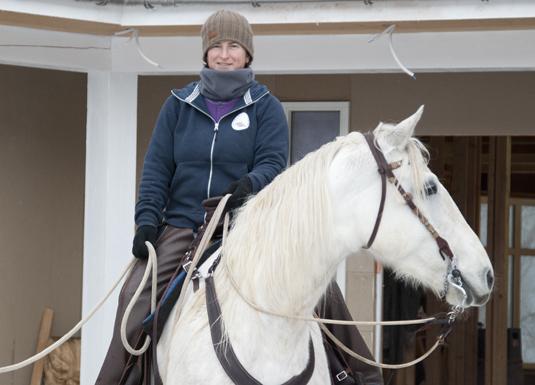 Hestedame frå Colorado etablerte rideskule i Sauda